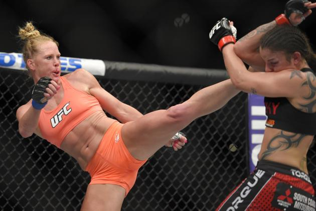 Holly Holm will meet Ronda Rousey at UFC 195 for the women's bantamweight title.