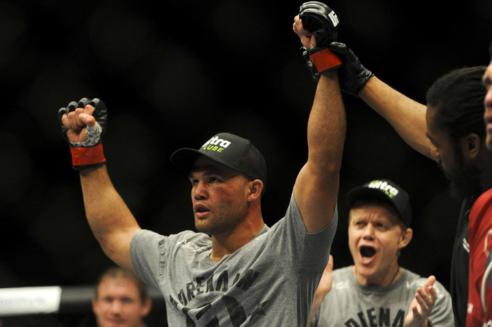 Robbie Lawler's thumb injury has caused his fight with Carlos Condit to be cancelled (for now).