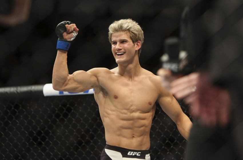 'Super' Sage Northcutt is 2-1 in the UFC to date. He'll face Enrique Martin as a heavy favorite at UFC 200 in Las Vegas.