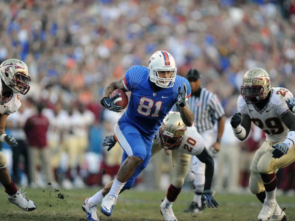 Before AH turned into a killer, this TD catch from Tim Tebow in '09 vs. FSU was one of my favorite plays in UF history. It gave the Gators a 24-0 second-quarter lead and Hernandez heaved the ball into the upper level upon crossing the goal line, earning a 15-yard penalty and a standing ovation in the process.