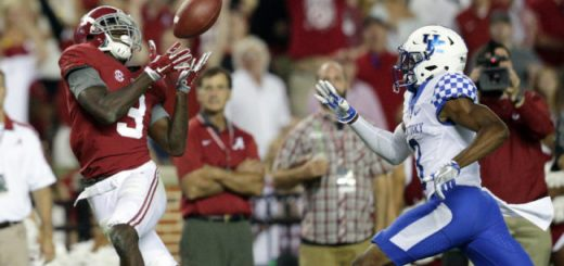 Oct 1, 2016; Tuscaloosa, AL, USA; Alabama Crimson Tide wide receiver Calvin Ridley (3) catches a pass against Kentucky Wildcats  at Bryant-Denny Stadium. The Crimson Tide defeated Kentucky 34-6. Mandatory Credit: Marvin Gentry-USA TODAY Sports